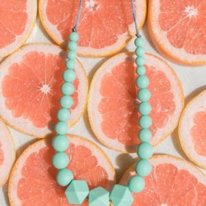 collier-minty wendy-minthalo-mint-bijou-maternite-silicone-alimentaire-my little cocoon-brest